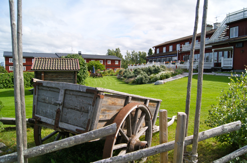 Rote Häuser Bilder auto rundreise stockholm nach dalarna schweden hummel reiseideen